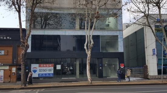 수원 남문시장 대로변 3층 임대