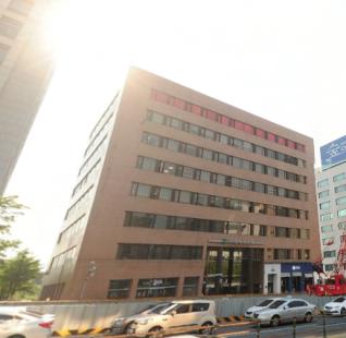 [신사역] 역세권 대로변 사무실 임대
