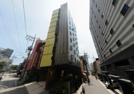 신촌역 도보3분, 상업지, 수익율 좋은 모텔