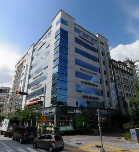 강릉 교통 번화가 스타벅스 옆 1층 코너 건물
